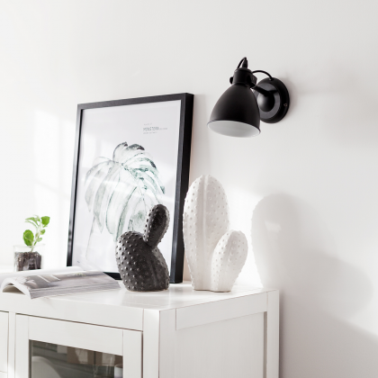 Priddy Wall Lamp