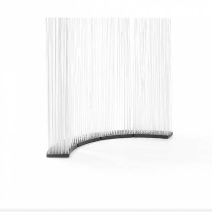 Room dividers with strongly and slightly curved base