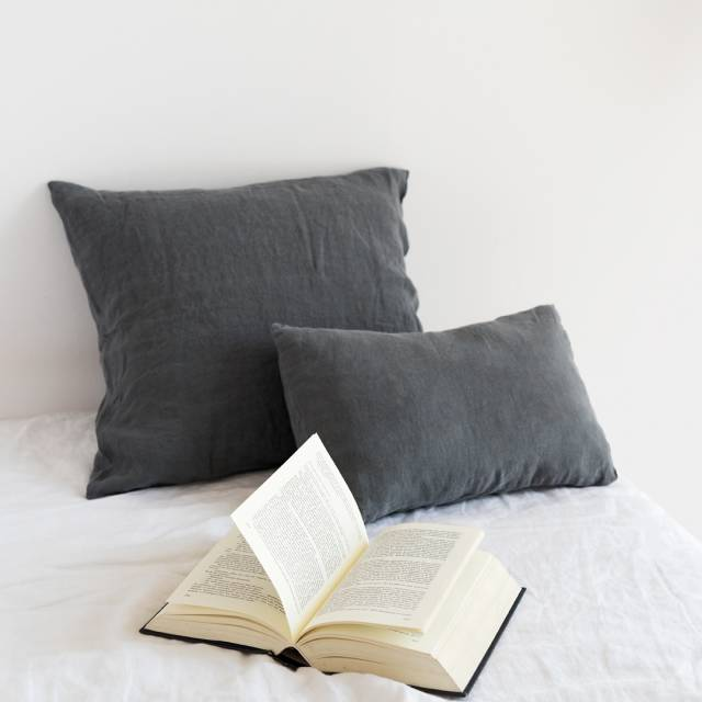Gray anthracite Linen cushion
