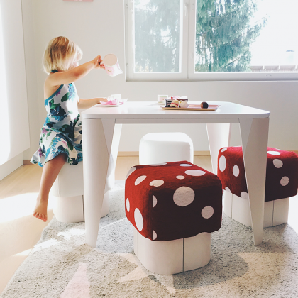 Kaarna Kids table